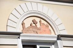 Terracottarelief-an-der-Fassade-des-Wohnhauses-Exenbergerschmiede